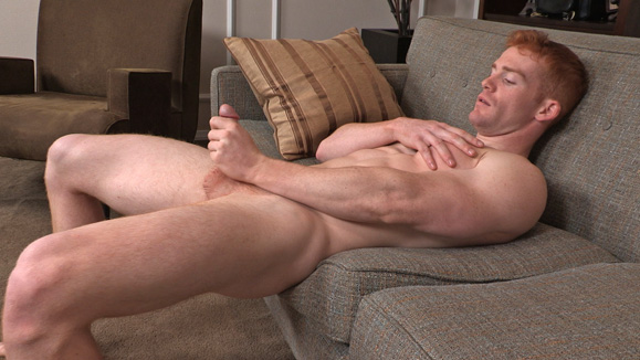 некоторое мужик мастурбирует сам себе фото после фистинга